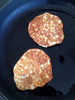 Simple Banana Pancakes (gluten-free, grain-free, dairy-free)