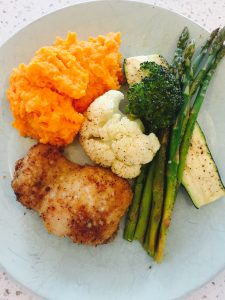 https://advancednaturopathic.com/news-events/healthy-recipes/crispy-chicken-mashed-sweet-potatoes-and-roasted-veggies/